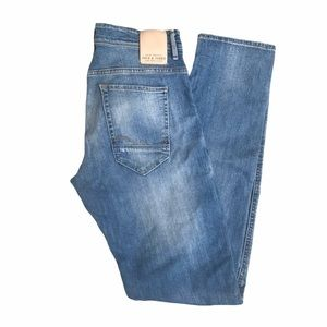 Jeans Straight Legged